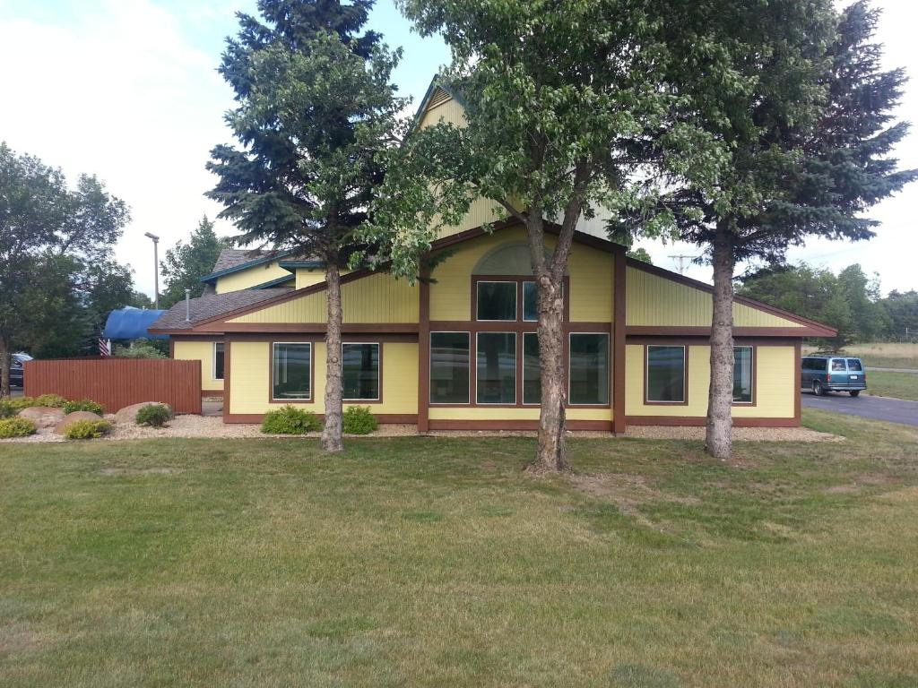 Nisswa Inn and Suites