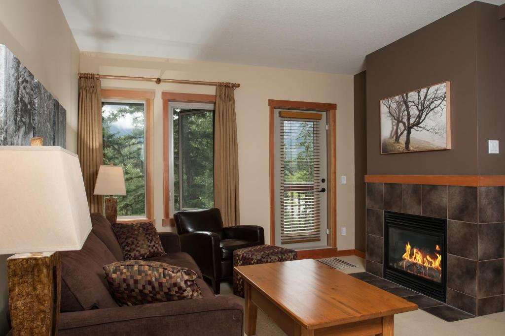 A seating area at Lodges at Canmore