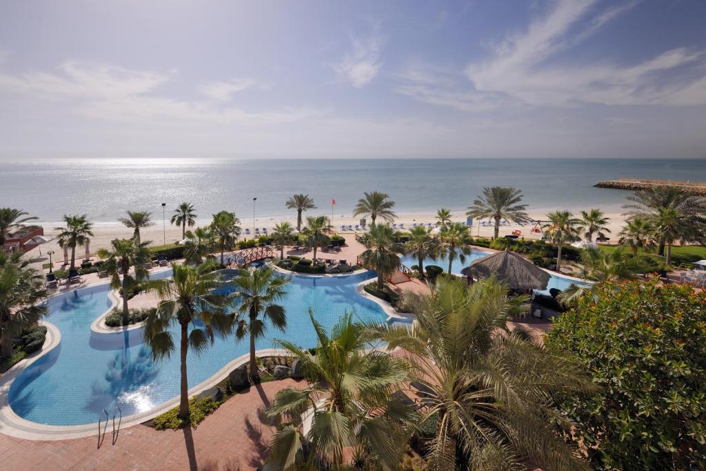 A view of the pool at Mövenpick Hotel & Resort Al Bida'a or nearby