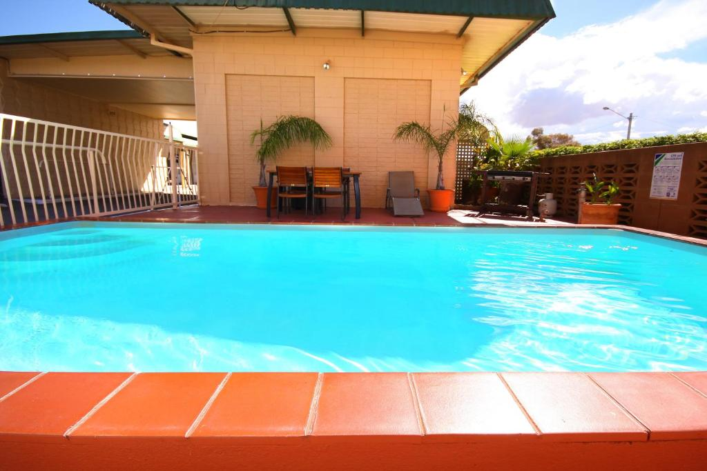 The swimming pool at or near Silver Haven Motor Inn