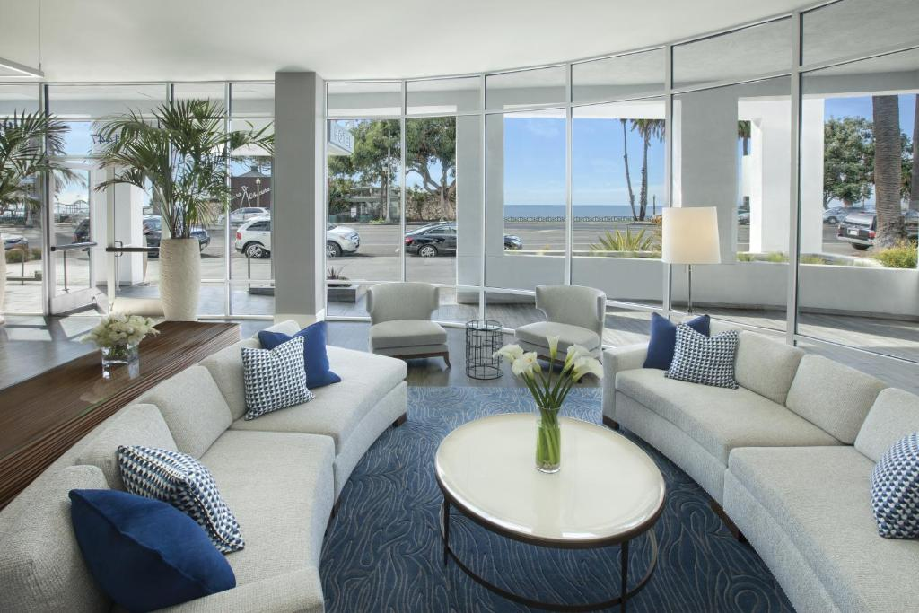 A seating area at Ocean View Hotel