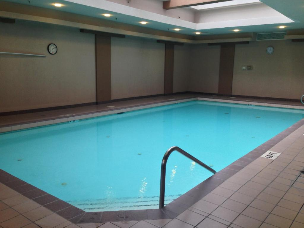 The swimming pool at or near Executive Hotel Vancouver Airport