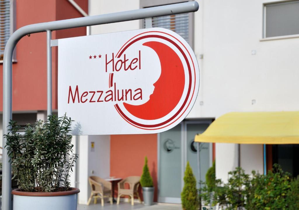 Hotel Mezzaluna Treviso, Italy