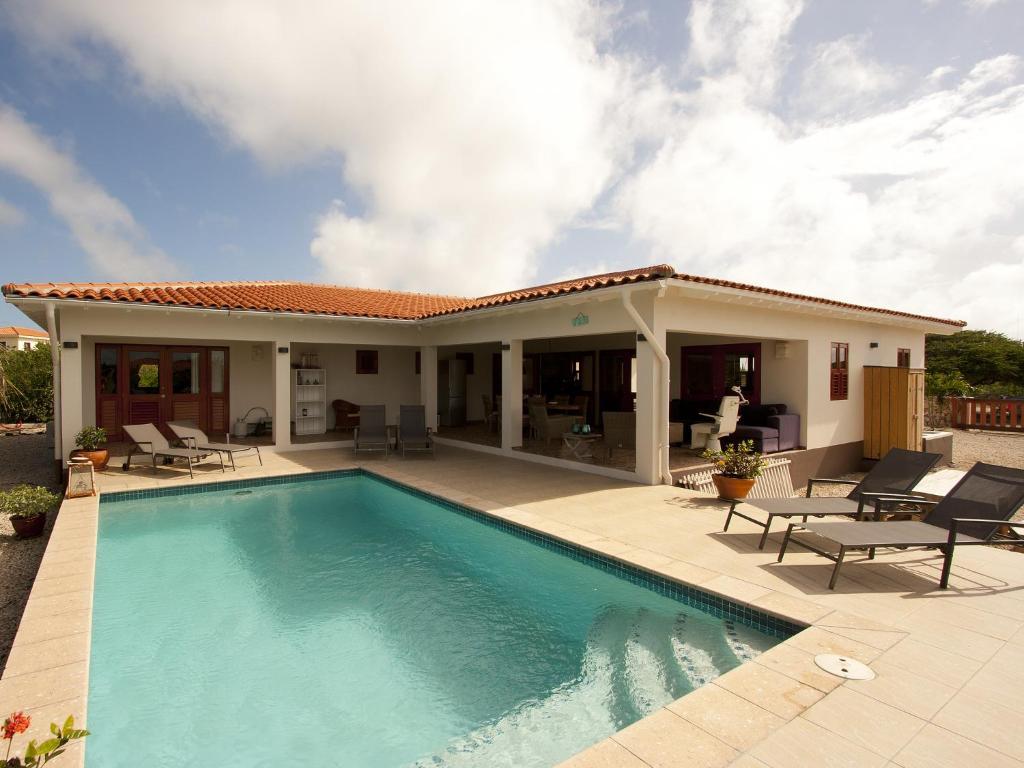 The swimming pool at or close to Casa Calida