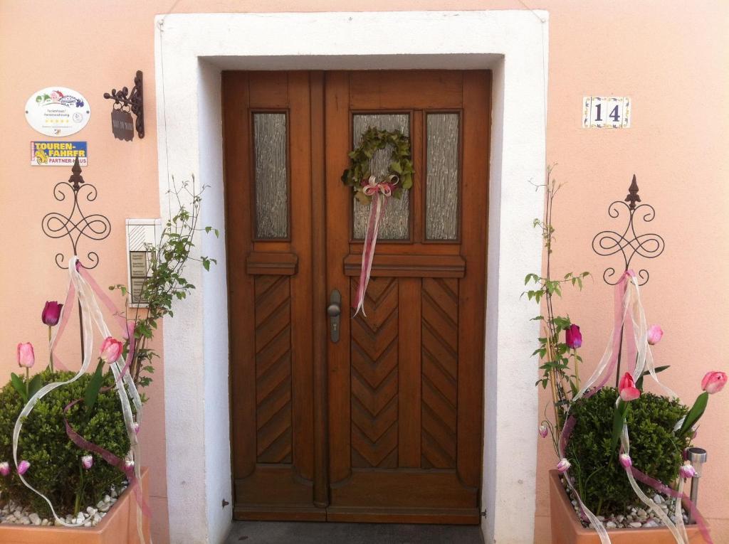Eine Fassade oder ein Eingang zu Haus am Markt