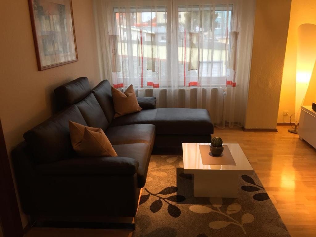 A seating area at Ferienwohnung Huttenstrasse 22C