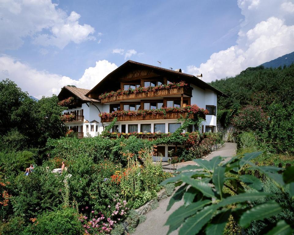 Hotel Garni Lichtenau Schenna, Italy