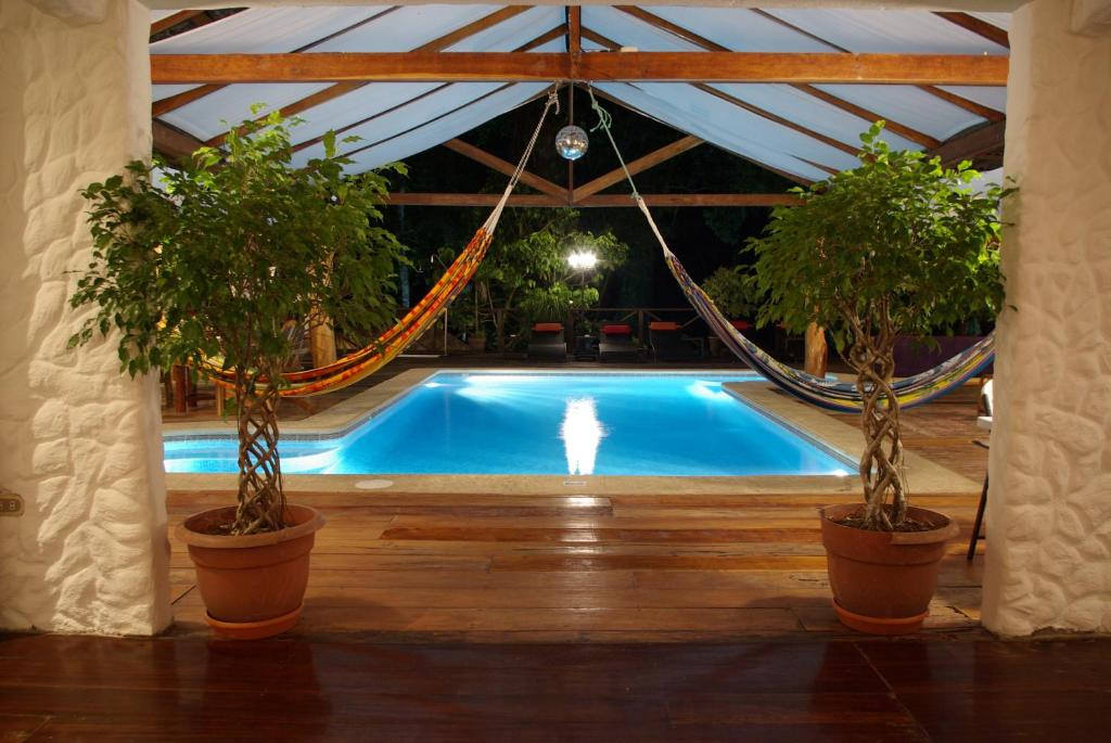 The swimming pool at or close to Hotel Bugabutik