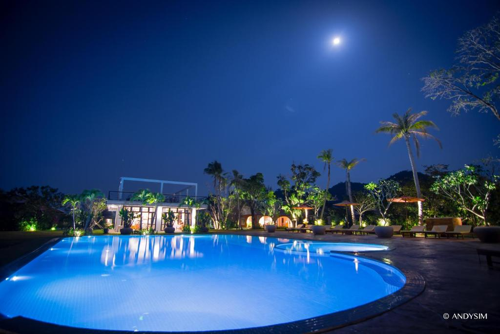 The swimming pool at or near Samanea Beach Resort & Spa