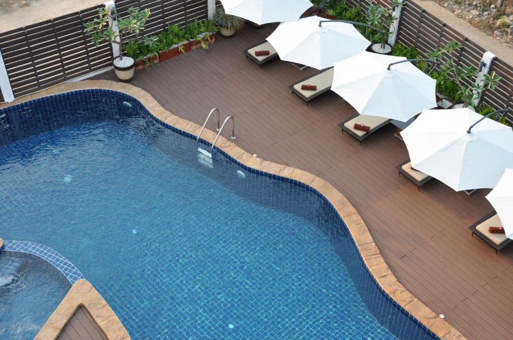 A view of the pool at The Gallery At Koh Chang or nearby
