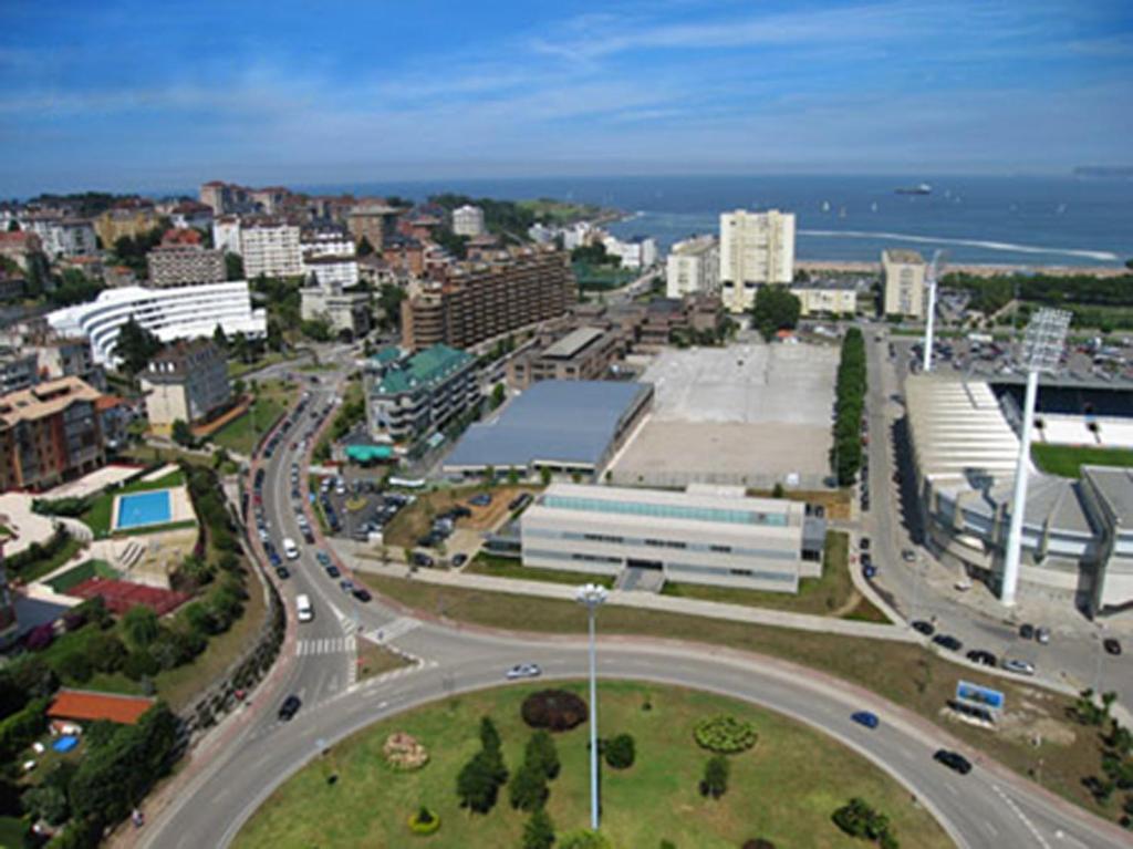 A bird's-eye view of Sercotel Hotel Palacio del Mar