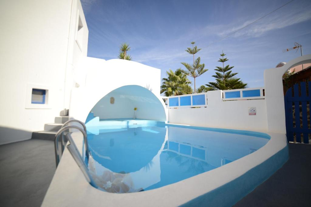 The swimming pool at or close to Georgis Apartments