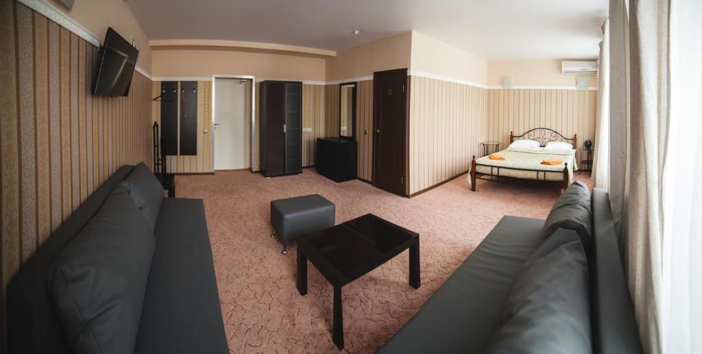 Гостиная зона в Отель  Номер-ОК
