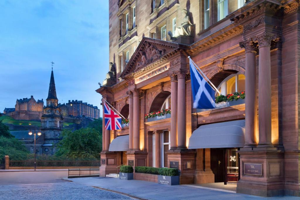 Fachada o entrada de Waldorf Astoria Edinburgh - The Caledonian