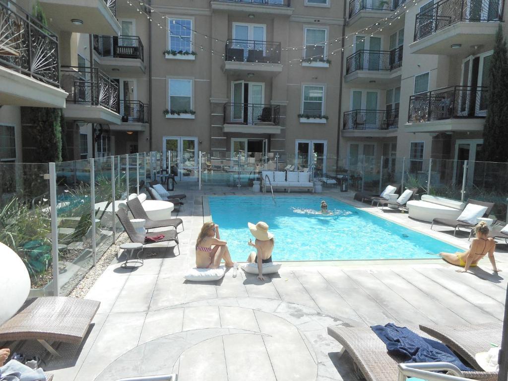 Apartment Luxury 2 Bedroom 2 Bathroom W Pool Los Angeles Ca Booking Com