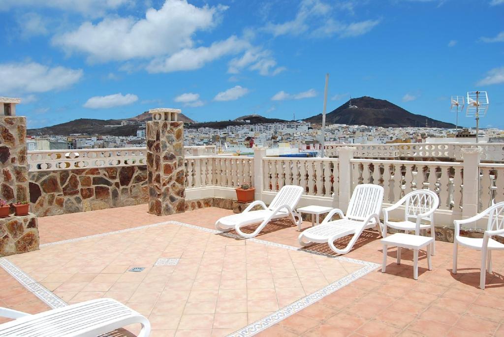 A balcony or terrace at Apartamentos Tinoca