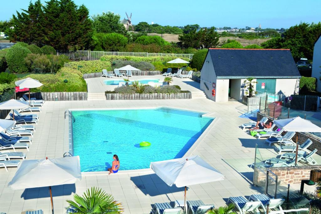 A view of the pool at Village Club Goelia Les Voiles blanches or nearby