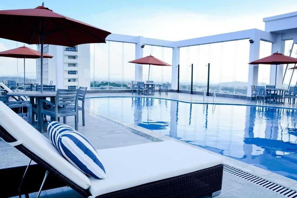 Hồ bơi trong/gần Hai Ba Trung Hotel & Spa