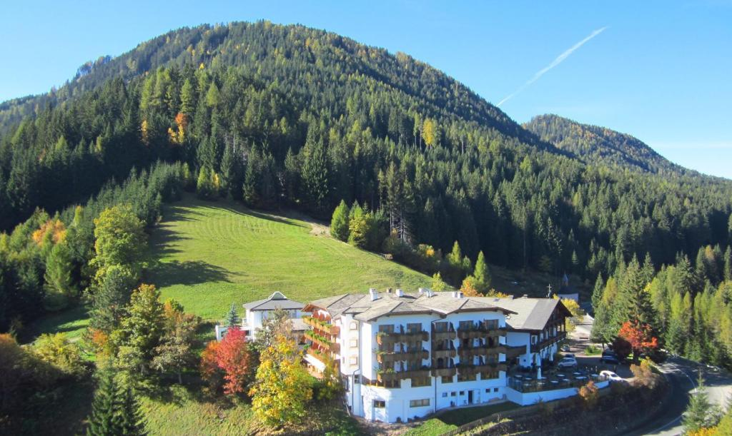 Vista aerea di Ganischgerhof Mountain Resort & Spa