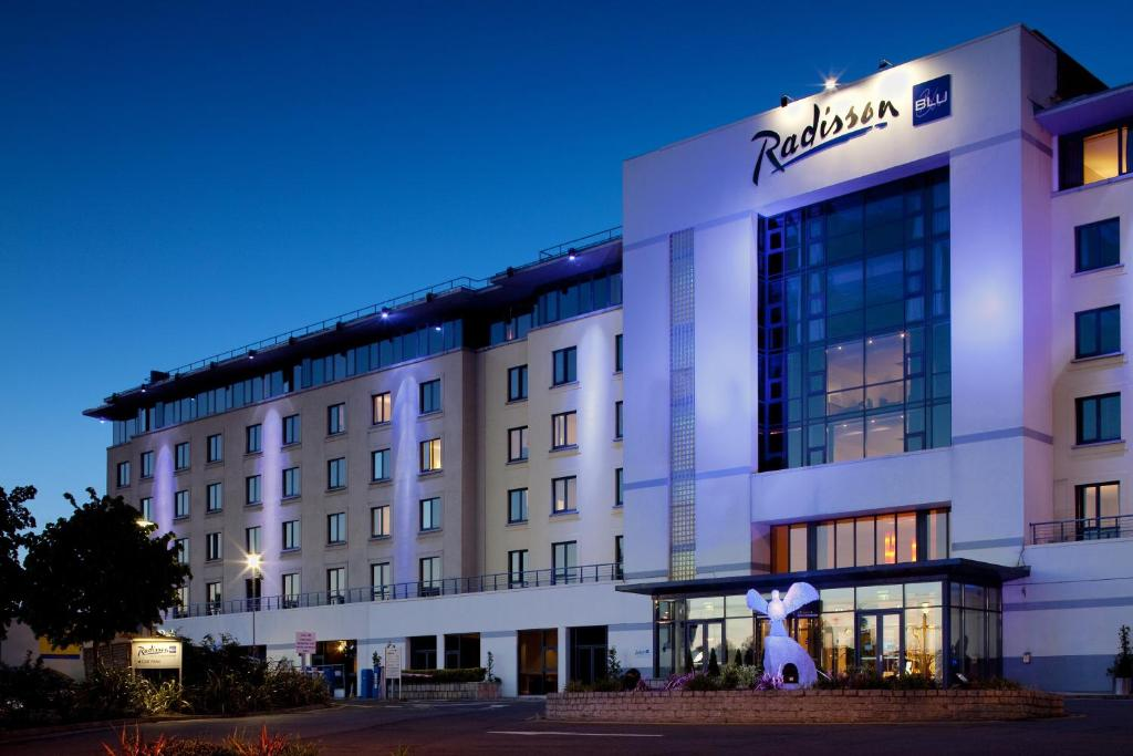The Radisson BLU Dublin Airport.