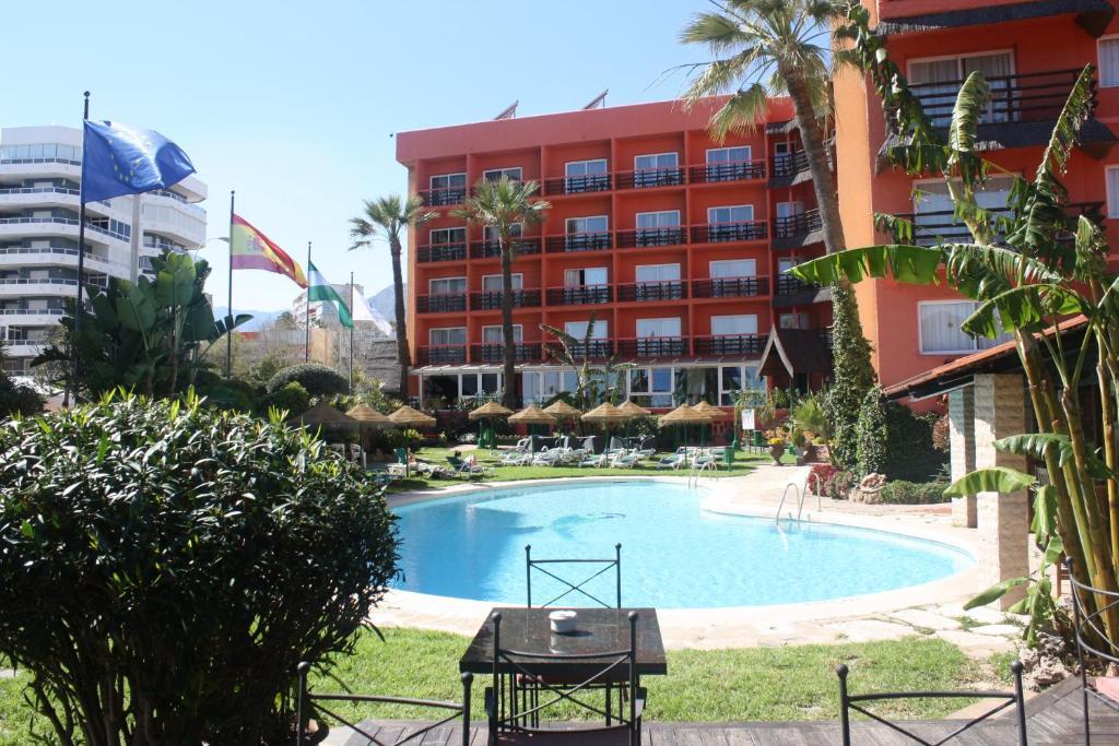 Het zwembad bij of vlak bij Hotel MS Tropicana