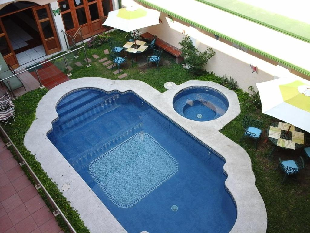 A view of the pool at Hotel Fotherhouse or nearby