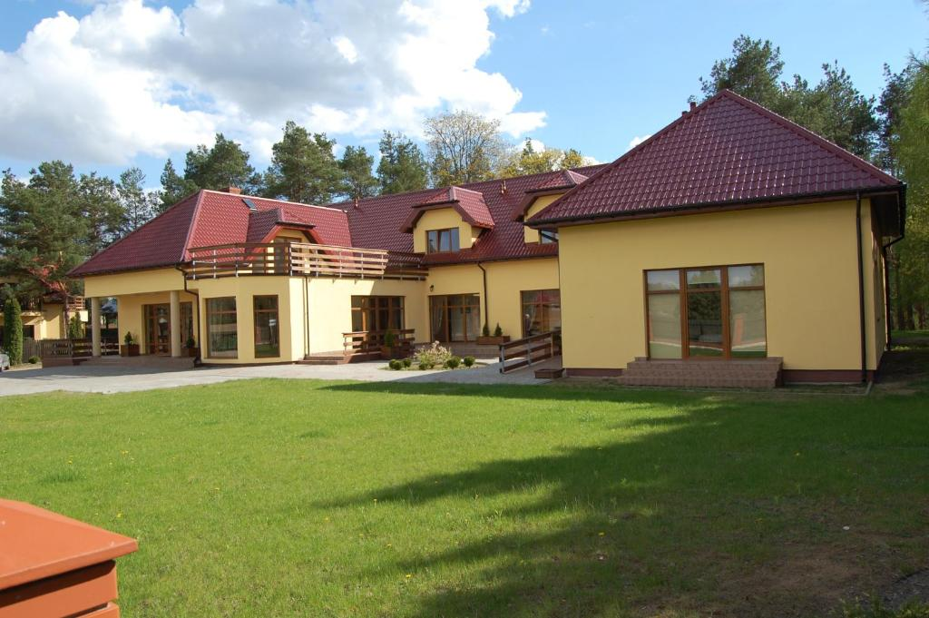 Bed And Breakfasts In Jabłońskie