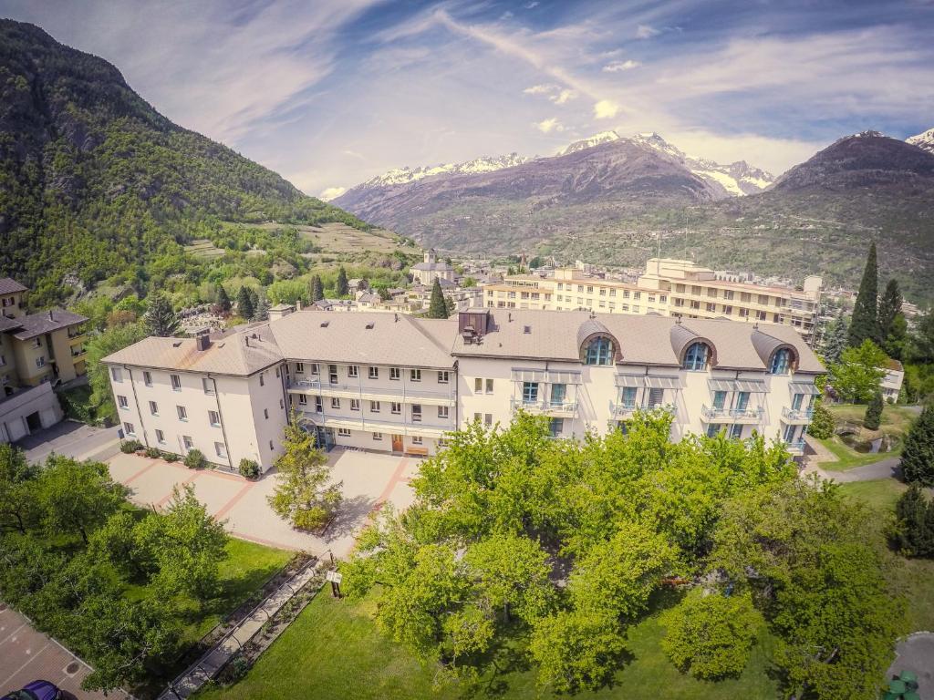 Blick auf Hotel & Bildungshaus St. Jodern aus der Vogelperspektive