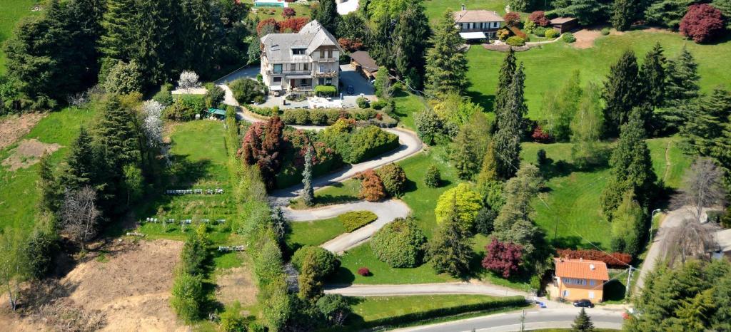 Vue panoramique sur l'établissement B&B Villa Tavallini