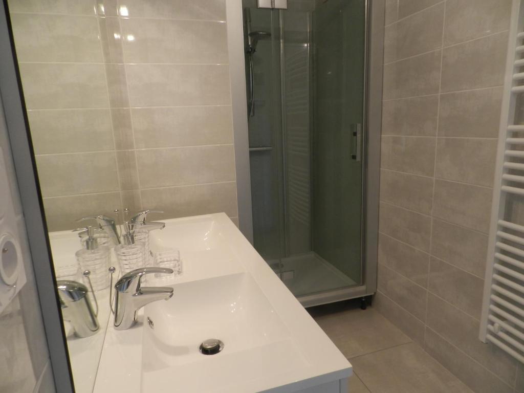 A bathroom at Gîte Utah