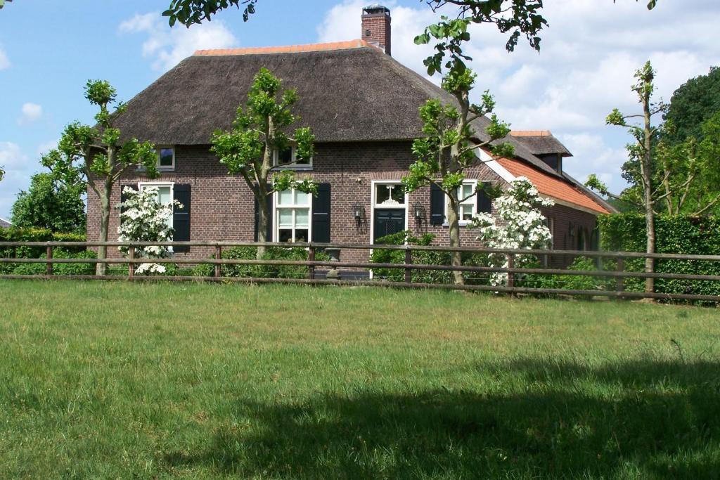 B&B Farmhouse De Loksheuvel