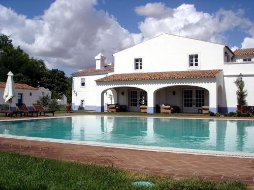 A piscina em ou perto de Hotel Rural Monte Da Rosada