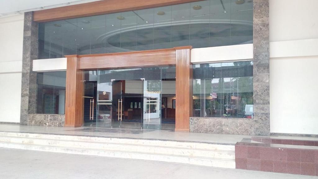 Hotel Seasons Of Yangon Myanmar Booking Com