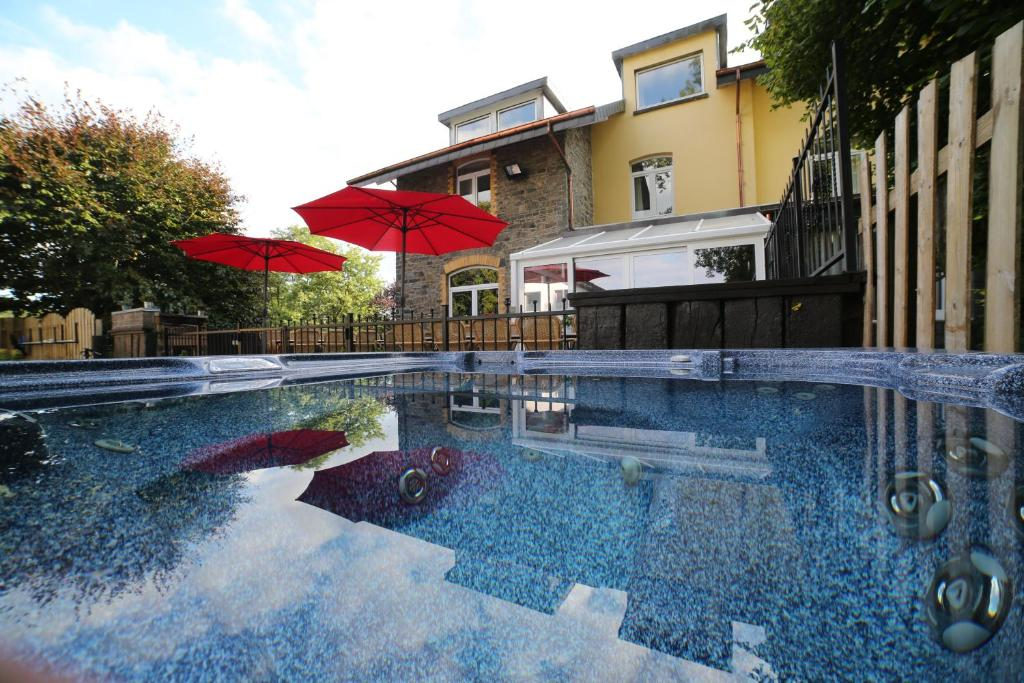 The swimming pool at or close to Dolce Villa Pool and Wellness