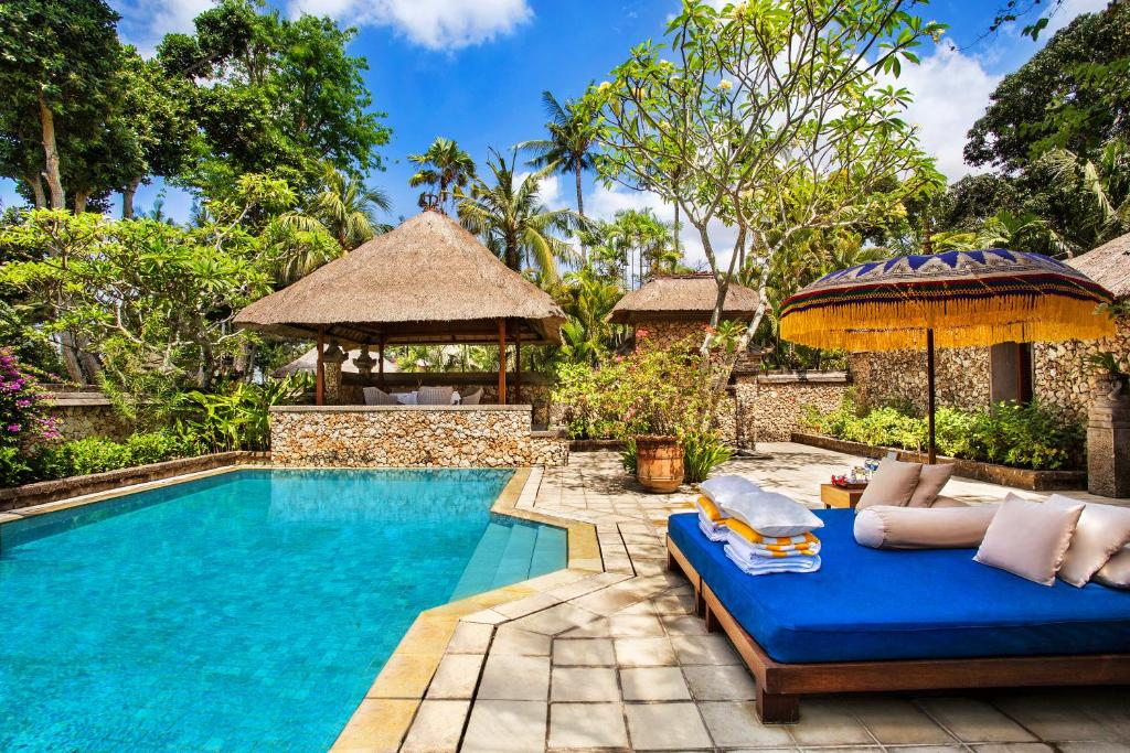 The swimming pool at or close to The Oberoi Beach Resort, Bali
