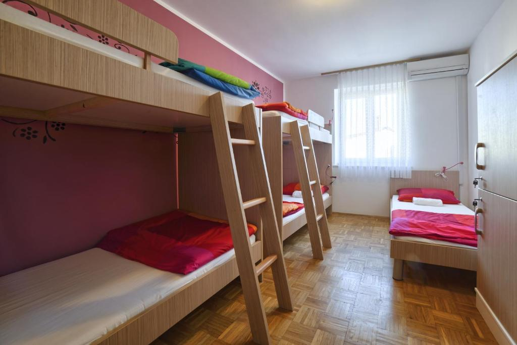 Hostel Step