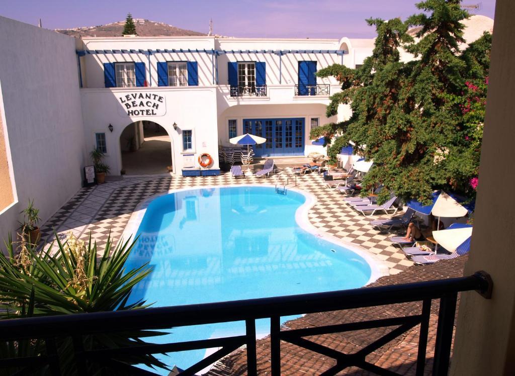 Θέα της πισίνας από το Levante Beach Hotel ή από εκεί κοντά