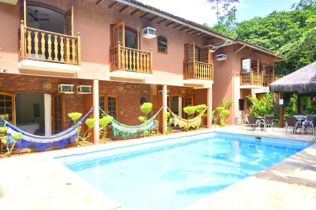 A piscina localizada em Pousada Dois Irmãos ou nos arredores