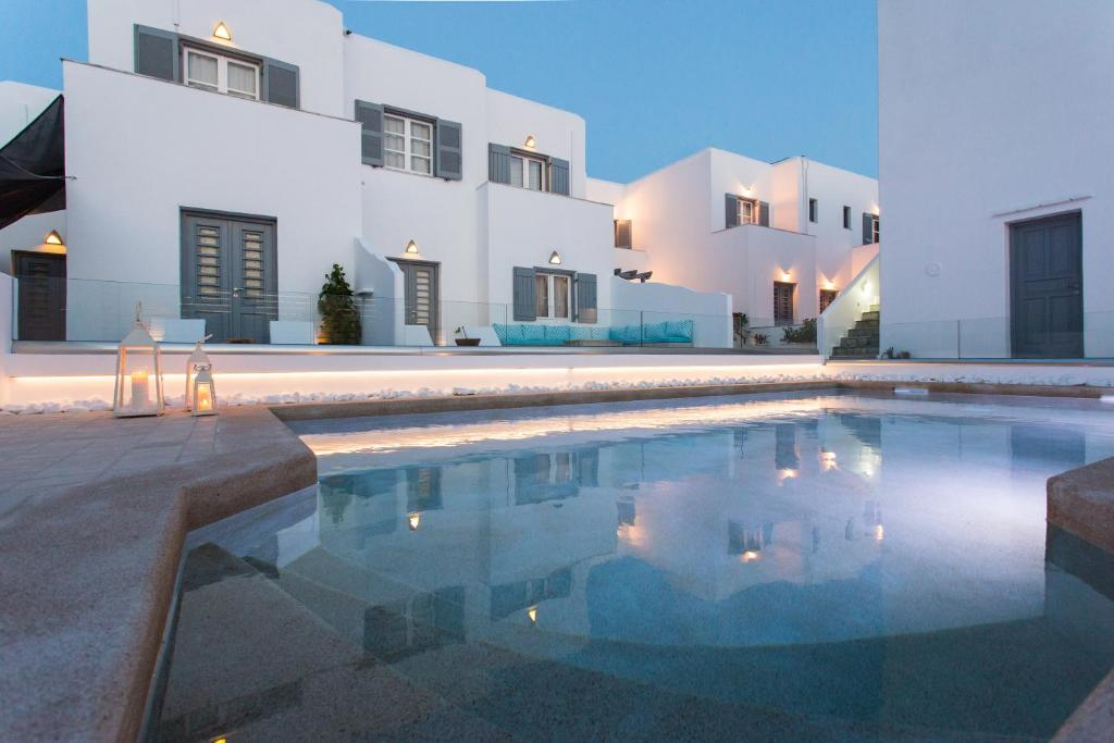 The swimming pool at or close to Villa Kelly Rooms & Suites