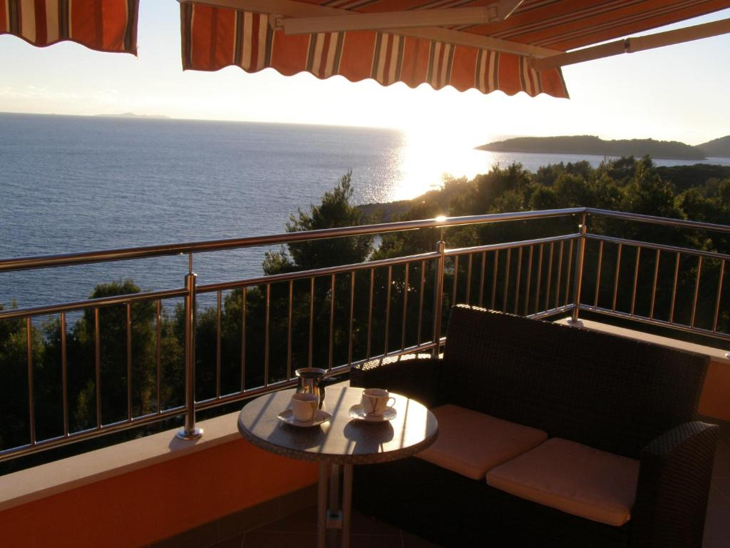 A balcony or terrace at Apartments Martina