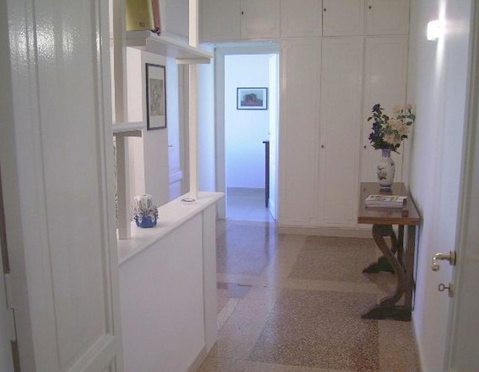 A bathroom at Cathy