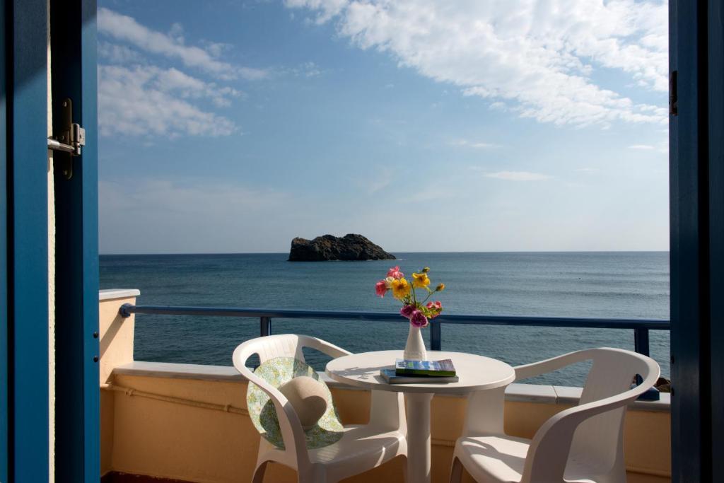 A balcony or terrace at Hotel Kyma