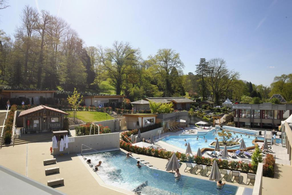 A view of the pool at Mondorf Parc Hotel or nearby