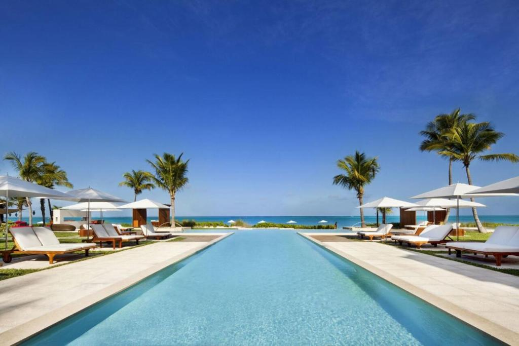 The swimming pool at or near Grace Bay Club