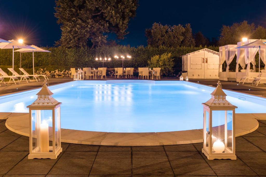 Der Swimmingpool an oder in der Nähe von Alla Corte Delle Terme Resort