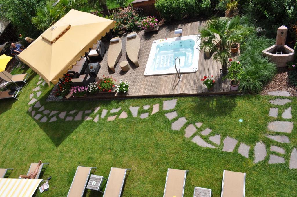 Вид на бассейн в B&B - Apartments Sunnwies или окрестностях