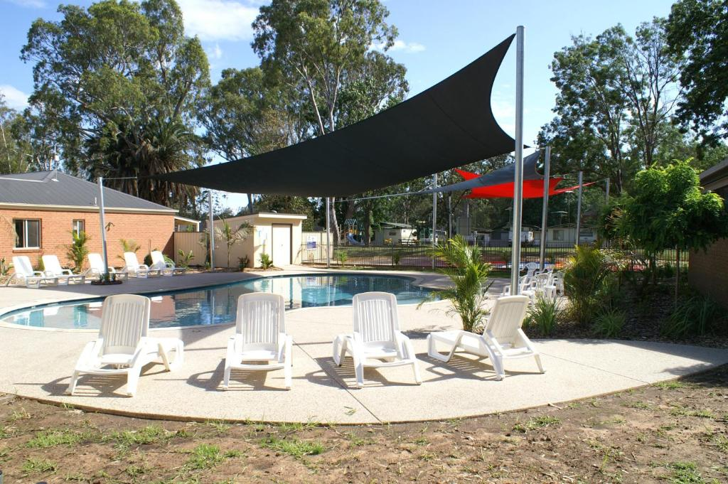 The swimming pool at or near Cohuna Waterfront Holiday Park