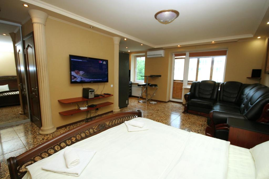 A seating area at Pechersk Apartment in Kiev Center