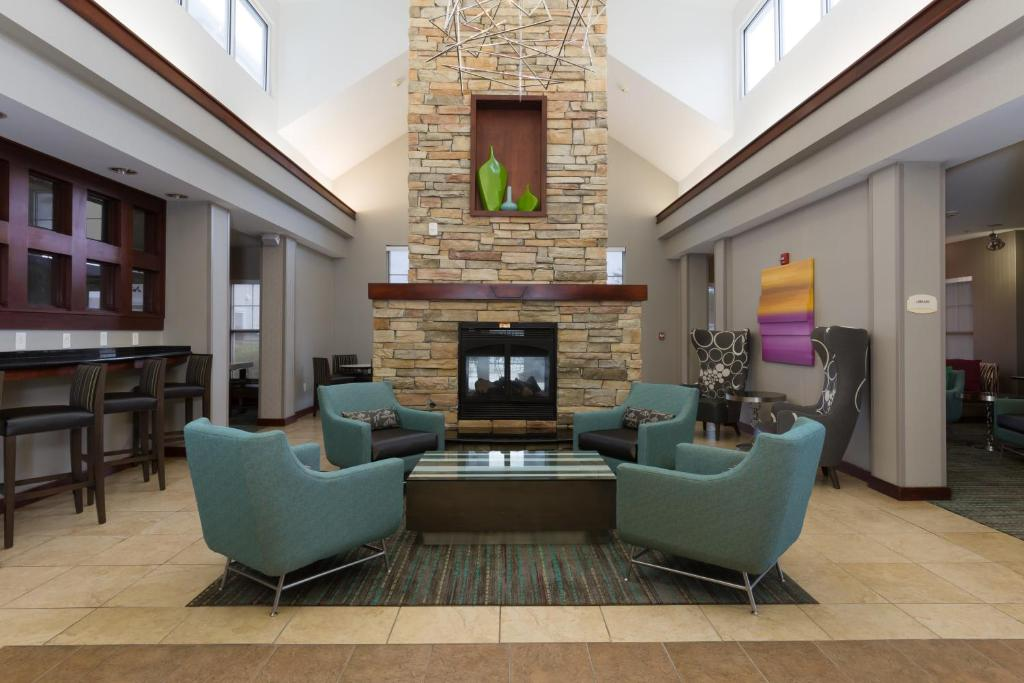 A seating area at Residence Inn Baton Rouge Towne Center at Cedar Lodge