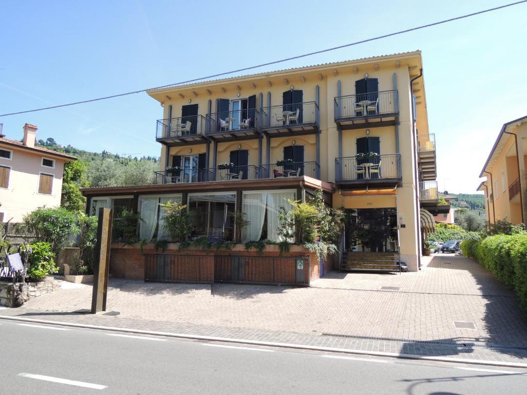 Hotel Al Caval Torri del Benaco, Italy